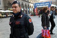 - Carabinieri police in anti-terrorism security service in Milan downtown..- Carabinieri in servizio di sicurezza antiterrorismo nel centro di Milano