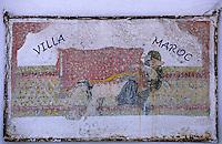 Afrique/Maghreb/Maroc/Essaouira : Détail de la enseigne de la Villa Maroc, 10 rue Abdellah-Ben-Yacine