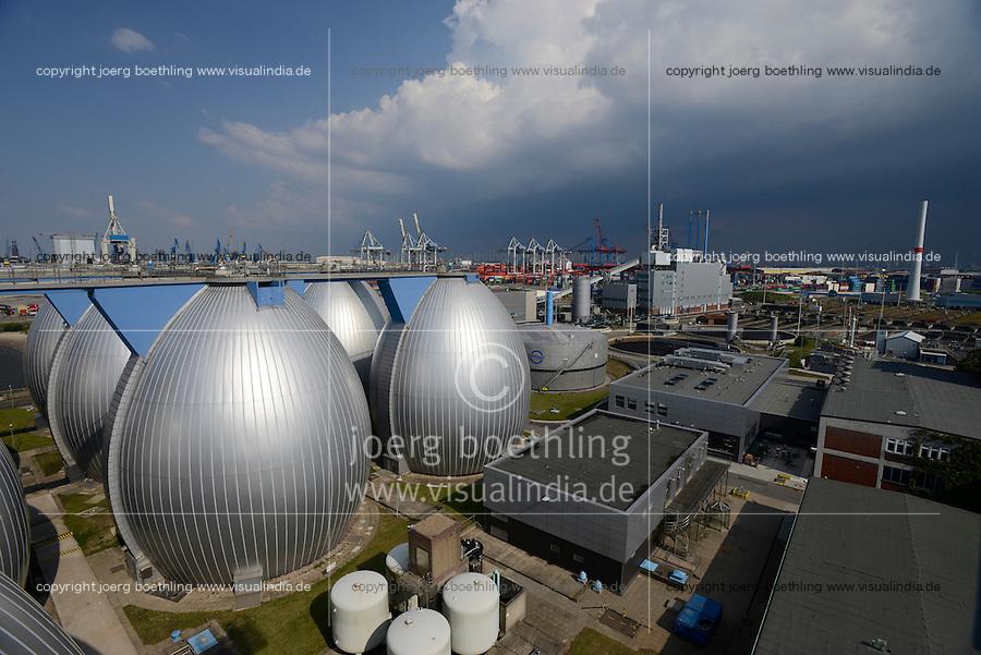 GERMANY, Hamburg, biogas plant at water treatment plant of Hamburg water, sludge is fermented to process Biogas for the gas grid / DEUTSCHLAND Hamburg, Klaerwerk und Biogasanlage Koehlbrandhoeft von Hamburg Wasser, aus Klaerschlamm wird in Faultuermen Biomethan gewonnen, gereinigt und ins Gasnetz eingespeist, Faultürme und VERA, Anlage zur Klärschlammverbrennung