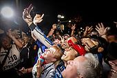 Takuma Sato, Rahal Letterman Lanigan Racing Honda celebrates in victory lane, with team