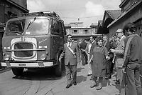 - workers of the SO.VE.CO. (municipal Company of Controlled sales) in strike (Milan, 1975)<br /> <br /> - le operaie della SO.VE.CO. ( (Società comunale Vendite Controllate) in sciopero (Milano, 1975)
