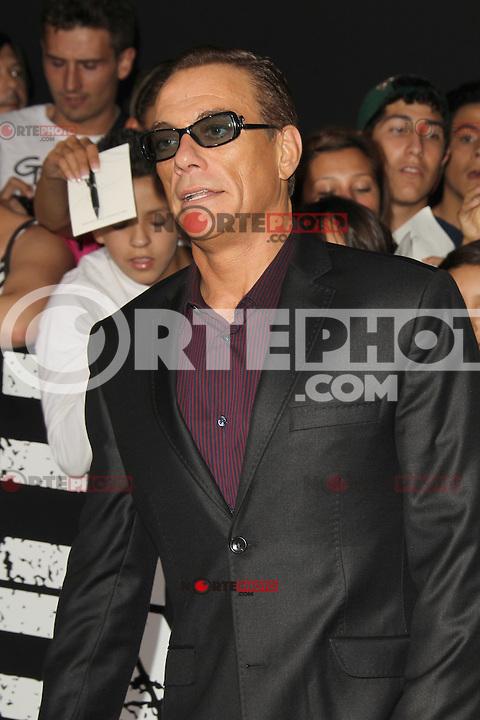 Jean-Claude Van Damme at Lionsgate Films' 'The Expendables 2' premiere on August 15, 2012 in Hollywood, California. ©mpi28/MediaPunch Inc. /NortePhoto.com<br /> <br /> **CREDITO*OBLIGATORIO** *No*Venta*A*Terceros*<br /> *No*Sale*So*third* ***No*Se*Permite*Hacer*Archivo***No*Sale*So*third*