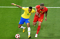 KAZAN - RUSIA, 06-07-2018: NEYMAR (Izq) jugador de Brasil disputa el balón con Toby ALDERWEIRELD (Der) jugador de Bélgica durante partido de cuartos de final por la Copa Mundial de la FIFA Rusia 2018 jugado en el estadio Kazan Arena en Kazán, Rusia. / NEYMAR (L) player of Brazil fights the ball with Toby ALDERWEIRELD (R) player of Belgium during match of quarter final for the FIFA World Cup Russia 2018 played at Kazan Arena stadium in Kazan, Russia. Photo: VizzorImage / Julian Medina / Cont