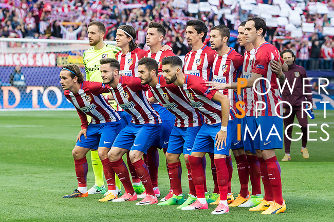Players of Atletico de Madrid line up and pose for a photo prior to their 2016-17 UEFA Champions League Semifinals 2nd leg match between Atletico de Madrid and Real Madrid at the Estadio Vicente Calderon on 10 May 2017 in Madrid, Spain. Photo by Diego Gonzalez Souto / Power Sport Images