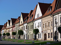 Historische Häuser auf dem Marktplatz, Bardejov, Presovsky kraj, Slowakei, Europa, UNESCO-Weltkulturerbe<br /> Old houses on marketplace, Bardejov, Presovsky kraj, Slovakia, Europe, UNESCO-world heritage