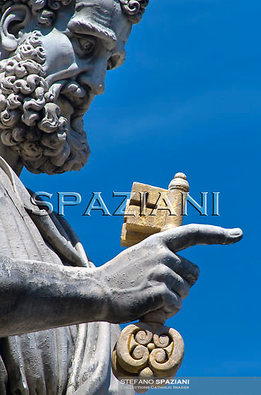 Statue  St Peter;Pope Benedict XVI waves as he leaves his weekly general audience on October 21, 2009 at St Peter's square at The Vatican.