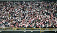 BOGOTÁ -COLOMBIA, 30-10-2014. Aspecto del encuentro de vuelta entre Independiente Santa Fe y Atlético Junior por la semifinal de la Copa Postobón 2014 jugado en el estadio Nemesio Camacho El Campín de la ciudad de Bogotá./ Aspect of the second leg match between Independiente Santa Fe and Atletico Junior for the semifinal of Postobon Cup 2014 played at Nemesio Camacho El Campin stadium in Bogotá city. Photo: VizzorImage/ Gabriel Aponte / Staff