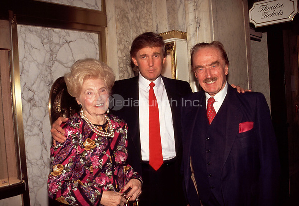 Donald Trump with his parents Mary and Fred Trump<br /> 1994  © RTalensick / MediaPunch