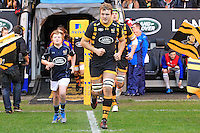 Photo: Ian Smith/Richard Lane Photography. Wasps v Bath Rugby. Aviva Premiership. 24/12/2016. Joe Launchbury leads Wasps out for his 100th appearance for the club.