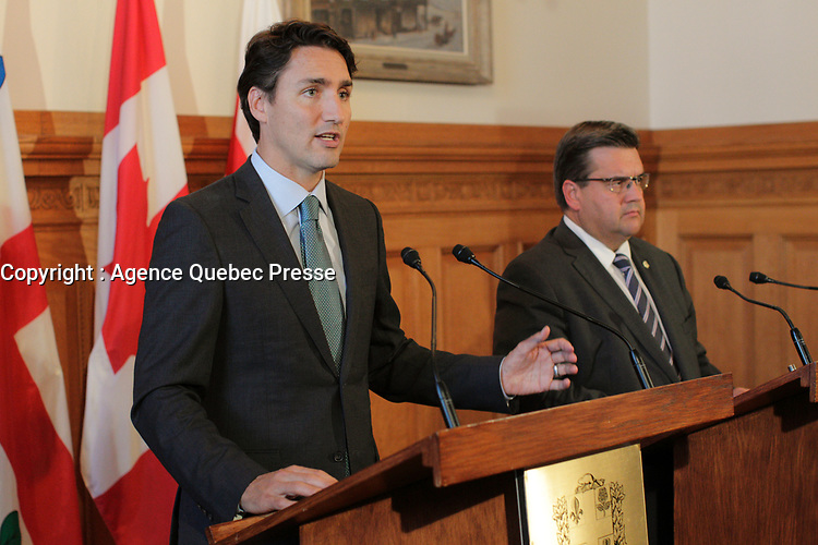 The Leader of the Liberal Party of Canada, Justin Trudeau, and Mayor of Montreal, Denis Coderre, met today September 3, 2015 to discuss the Liberal plan to invest in Champlain Bridge infrastructure.<br /> <br /> Photo : Agence Quebec Presse