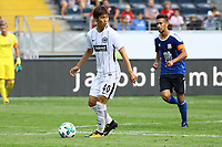 Daichi Kamada (Eintracht Frankfurt) gegen Ahmed Azaouagh (FSV Frankfurt) - 06.08.2017: Eintracht Frankfurt vs. FSV Frankfurt, Saisoneröffnung, Commerzbank Arena