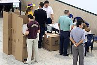 BUCARAMANGA -COLOMBIA. 08-03-2014. Aspecto de las elecciones parlamentarias en Bucaramanga, Colombia, hoy 9 de marzo de 2014.  los colombianos elegirán por voto directo en las urnas 102 nuevos miembros del Senado de la República, 166 representantes a la Cámara de Representantes y 5 representantes al Parlamento Andino./ Aspect of the parliamentary elections in Bucaramanga, Colombia, today March 9, 2014. Colombians will elect by direct vote at the polls 102 new members of the Senate, 166 representatives to the House of Representatives and five representatives to the Andean Parliament. Photo: VizzorImage/ Duncan Bustamante / Str