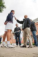 12-09-12, Netherlands, Amsterdam, Tennis, Daviscup Netherlands-Swiss, Press-conference Netherlands, Igor Sijsling voor de NOS camera en Martin Vriesema interviewd.