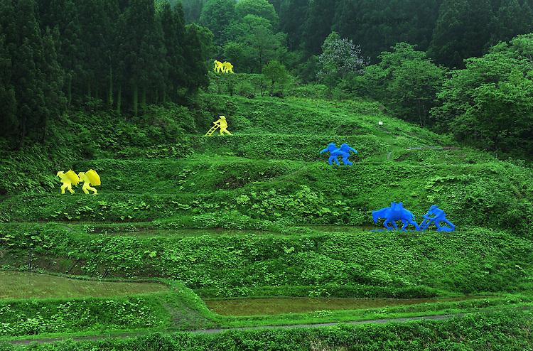 Matsudai is the center of Echigo-Tsumari Art Field where every three years a huge art festival is held. Around this area there a hundrerds of pieces of art spread through the territory creating an amazing outdoor museum. Matsudai. Nigata. Japan.<br /> <br /> Matsudai est le centre du domaine artistique d'Echigo-Tsumari où se tient un grand festival d'art tous les trois ans. Autour de cette zone, des centaines d'œuvres d'art se sont répandues sur le territoire, créant ainsi un incroyable musée en plein air. Matsudai. Nigata. Japon.