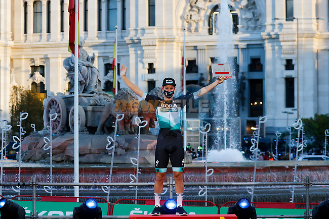 Pascal Ackermann (GER) Bora-Hansgrohe wins Stage 18 of the Vuelta Espana 2020, running 139.6km from Hipódromo de La Zarzuela to Madrid, Spain. 8th November 2020. <br /> Picture: Luis Angel Gomez/PhotoSportGomez | Cyclefile<br /> <br /> All photos usage must carry mandatory copyright credit (© Cyclefile | Luis Angel Gomez/PhotoSportGomez)
