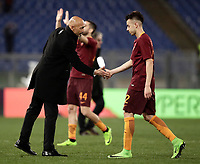 Calcio, Serie A: Roma, stadio Olimpico, 19 marzo, 2017<br /> Roma's coach Luciano Spalletti (l) greets Roma's Stephan El Shaarawy (r) at the and of the Italian Serie A football match between Roma and Sassuolo at Rome's Olympic stadium, March 19, 2017<br /> UPDATE IMAGES PRESS/Isabella Bonotto