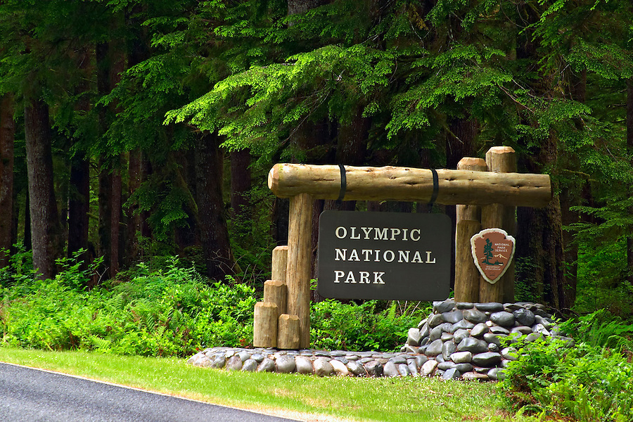 Entrance sign to Olympic National Park at Mora, Olympic Peninsula, Clallam County, Washington, USA