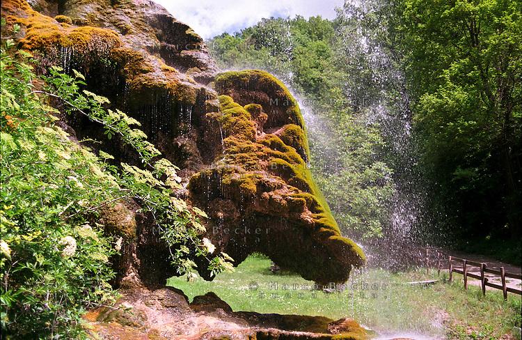 Castel d'Aiano (Bologna), Grotte di travertino di Labante --- Castel d'Aiano (Bologna), travertine caves of Labante