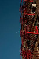 NEW YORK-NY-29-04-2012 . Escaleras de Brooklyn en la ciudad de Nueva York .Stairs of Brooklyn in New York City (Photo: VizzorImage/Luis Ramirez).......