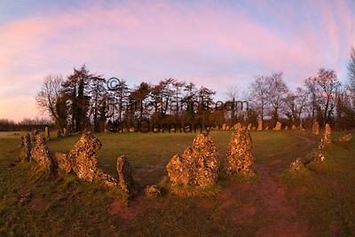 United Kingdom, England, Oxfordshire, Cotswolds, Chipping Norton: The Rollright Stones Bronze Age stone circle   Grossbritannien, England, Oxfordshire, Cotswolds, Chipping Norton: Die Rollright Stones aus der Bronzezeit