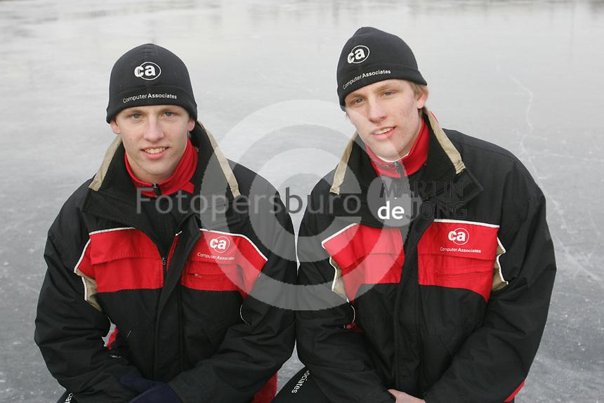 SCHAATSEN: HAULERWIJK: 2006, Kortebaanschaatsen, Michel & Ronald Mulder, ©foto Martin de Jong