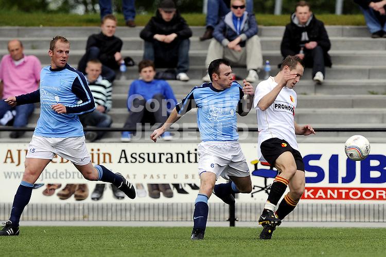 voetbal be quick - dijkse boys playoff topklasse seizoen 2009-2010 16-05-2010 yusuf altunel met raymond bolt
