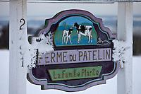 Amérique/Amérique du Nord/Canada/Québec/ Env de Québec/Île d'Orléans/Saint-Laurent-de-l'Île-d'Orléans: Panneau de la Ferme du Patelin - Production laitière
