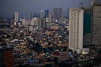 PHILIPPINES, Manila, suburban Makati, view to Mandaluyong City and skysrapers of Pasig City / PHILIPPINEN, Manila, Stadtteil Makati, Hochhaeuser, Blick zu Mandaluyong City und Pasig City