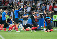MOSCU - RUSIA, 11-07-2018: Jugadores de Croacia celebran su paso a la final después del partido de Semifinales entre Croacia y Inglaterra por la Copa Mundial de la FIFA Rusia 2018 jugado en el estadio Luzhnikí en Moscú, Rusia. / Players of Croatia celebrate their pass to the final after the match between Croatia and England of Semi-finals for the FIFA World Cup Russia 2018 played at Luzhniki Stadium in Moscow, Russia. Photo: VizzorImage / Julian Medina / Cont