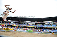 CALI - COLOMBIA - 18-07-2015: Georgiana Anitei de Rumania, en acción durante la prueba de Salto Largo en el estadio Pascual Guerrero sede, sede de IAAF Campeonatos Mundiales de la Juventud Cali 2015.  / Georgiana Anitei of Romania, in action during the test of Long Jump in the Pascual Guerrero home of the IAAF World Youth Championships Cali 2015. Photos: VizzorImage / Luis Ramirez / Staff.