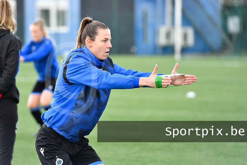 Nicky Van Den Abbeele (28 Brugge) pictured during warming up of a female soccer game between Club Brugge Dames YLA and RSC Anderlecht Ladies on the fifth matchday of the 2020 - 2021 season of Belgian Scooore Womens Super League , sunday 18 October 2020  in Brugge , Belgium . PHOTO SPORTPIX.BE | SPP | DAVID CATRY