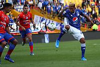 BOGOTÁ- COLOMBIA,15-09-2019:Orles Aragon (Izq.) jugador de Millonarios disputa el balón con Eder Castaneda  (Der.) jugador del Deportivo Pasto durante partido por la fecha 11 de la Liga Águila II 2019 jugado en el estadio Nemesio Camacho El Campín de la ciudad de Bogotá. /Orles Aragon(L) player of Millonarios fights the ball  against of Eder Castaneda(R) player of Deportivo Pasto during the  match for the date 11 of the Liga Aguila II 2019 played at the Nemesio Camacho El Campin stadium in Bogota city. Photo: VizzorImage / Felipe Caicedo / Staff