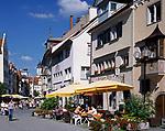 DEU, Deutschland, Bayern, Bayerisch Schwaben, Bodensee, Lindau: Altstadtgasse mit Strassencafes | DEU, Germany, Bavaria, Bavarian Swabia, Lake Constance, Lindau: old town lane with cafes