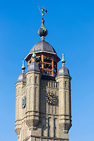 France, Nord (59), Bergues: Beffroi de Bergues qui abrite un carillon de 50 cloches est classé Patrimoine Mondial de l'UNESCO //  France, Nord, Bergues: Belfry of Bergues, which houses a carillon of 50 bells is listed as World Heritage by UNESCO