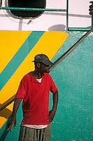 Les Bahamas /Ile d'Eleuthera/Harbour Island/Dunmore Town: lors de l'arrivée du ferry au port