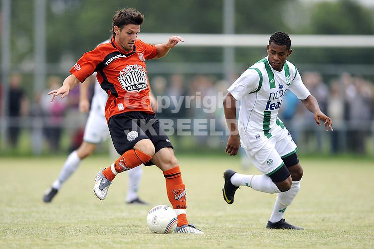 voetbal fc groningen - fc volendam  oefenwedstrijd seizoen 2010-2011 24-07-2010 laszlo zsidai met leandro bacuna
