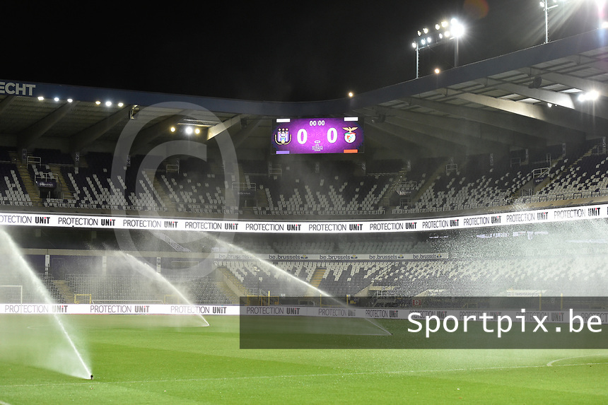 illustration picture shows the preparation of the Lotto Park  pictured before a female soccer game between RSC Anderlecht Dames and Portugese Benfica Ladies  in the second qualifying round for the Uefa Womens Champions League of the 2020 - 2021 season , Wednesday 18 th of November 2020  in ANDERLECHT , Belgium . PHOTO SPORTPIX.BE | SPP | DIRK VUYLSTEKE