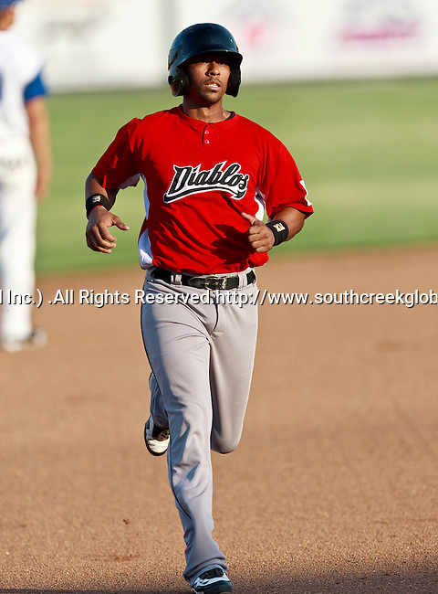 El Paso Diablos 2nd Baseman Albenis Machado (3) in action during the American Association of Independant Professional Baseball game between the El Paso Diablos and the Fort Worth Cats at the historic LaGrave Baseball Field in Fort Worth, Tx. Fort Worth defeats El Paso 10 to 9.