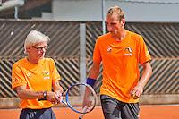 Austria, Kitzbuhel, Juli 14, 2015, Tennis, Davis Cup, Training Dutch team, Thiemo de Bakker with coach Martin Bohm<br /> Photo: Tennisimages/Henk Koster