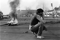 2  Julio 1986<br /> Jornadas de protesta nacional del 2 y 3 de Julio de 1986, en los incidentes mas graves del d√≠a 2 result√≥ muerta por balas militares una ni√±a de 12 a√±os en la poblaci√≥n Los Copihues de La Florida y los j√≥venes Carmen Gloria Quintana y Rodrigo Rojas fueron quemados vivos por una patrulla militar.<br /> <br /> Forty years ago, on September 11, 1973, a military coup led by General Augusto Pinochet toppled the democratic socialist government of Chile. President Salvador Allende was killed during the  attack to seize  La Moneda presidential palace.  In the aftermath of the coup, a quarter of a million people were detained for their political beliefs, 3000 were killed or disappeared and many thousands were tortured.<br /> Some years later in 1981, while Pinochet ruled Chile with iron fist, a young photographer called Juan Carlos Caceres started to freelance in the streets of Santiago and the poblaciones or poor outskirts, showing the growing resistance against the dictatorship. For the next 10 years Caceres photographed every single protest and social movement fighting for the restoration of democracy. He knew that his camera was his only weapon, he knew that his fate was to register the daily violence and leave his images for the History.<br /> In this days Caceres is working to rescue and organize his collection of images in the project Imagenes de la Resistencia   . With support of some Chilean official institutions, thousands of negatives are digitalized and organized to set up the more complete visual heritage of this  violent period of Chile´s history.