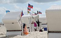 Wind an den Strandkörben am Hauptstrand von Wangerooge - Wangerooge 20.07.2020: Flug nach Wangerooge