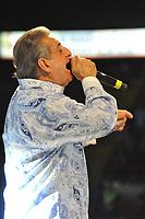 """BOGOTA - COLOMBIA, 28-02-2021: (FOTO DE ARCHIVO) Jorge Oñate, nacido el 31 de marzo de 1949 en La Paz, Cesar, Colombia,  y apodado «El Jilguero de América» y «El Ruiseñor del Cesar», fue un músico colombiano, cantante y compositor de música vallenata. Desde el comienzo de su carrera, en 1968 a 2012, había logrado 25 discos de oro, 7 discos de platino y 6 de doble platino. También incursionó en política como concejal de su pueblo natal, subdirector del departamento del Cesar y segundo en la lista del congresista Alfredo Cuello Dávila, a quien reemplazó en varias ocasiones. Jorge Oñate falleció en la madrugada del 28 de febrero de 2021 en la ciudad de Medellín a causa de una pancreatitis desarrollada después de haber sido diagnosticado de COVID19 el pasado 18 de enero de 2021. / (FILE PHOTO) Jorge Oñate, born on March 31, 1949 in La Paz, Cesar, Colombia, and nicknamed """"El Jilguero de América"""" and """"El Ruiseñor del Cesar"""", was a Colombian musician, singer and composer of music vallenata. From the beginning of his career, in 1968 to 2012, he had achieved 25 gold records, 7 platinum records and 6 double platinum records. He also ventured into politics as a councilor for his hometown, deputy director of the Cesar department and second on the list of Congressman Alfredo Cuello Dávila, whom he replaced on several occasions. Jorge Oñate died at dawn on February 28, 2021 in the city of Medellín due to pancreatitis developed after being diagnosed with COVID19 on January 18, 2021. Photo: VizzorImage / Adamis Guerra / Cont"""