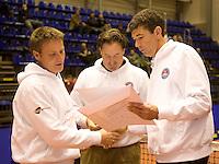 15-12-07, Netherlands, Rotterdam, Sky Radio Masters, Winnaar tennistrainer van het jaar Cock Snoei(l) ontvangt een oorkonde uit handen van Michiel Schapers(r)