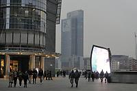 - Milano, il nuovo quartiere di Porta Nuova con la piazza Gae Aulenti <br /> <br /> - Milan, the new district of Porta Nuova with the Gae Aulenti square