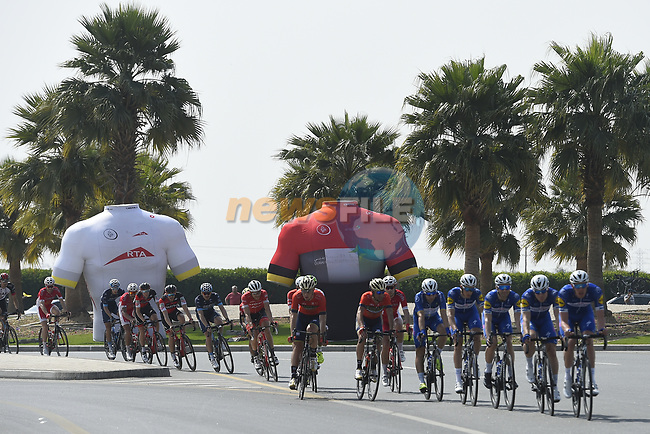 The peloton with Quick-Step Floors on the front during Stage 5 The Meraas Stage final stage of the Dubai Tour 2018 the Dubai Tour's 5th edition, running 132km from Skydive Dubai to City Walk, Dubai, United Arab Emirates. 10th February 2018.<br /> Picture: LaPresse/Fabio Ferrari   Cyclefile<br /> <br /> <br /> All photos usage must carry mandatory copyright credit (© Cyclefile   LaPresse/Fabio Ferrari)
