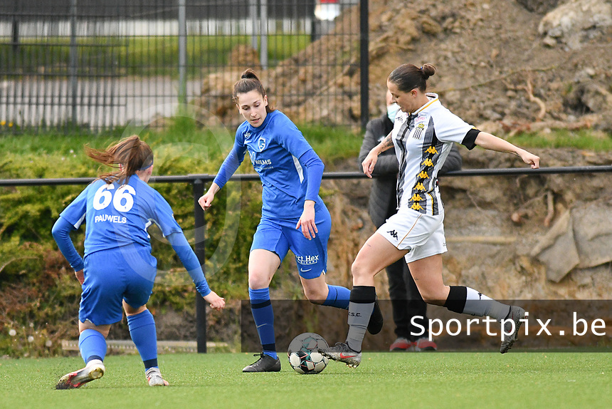 Fleur Pauwels (66) of KRC Genk, Gwen Duijsters (13) of KRC Genk and Alysson Duterne (14) of Sporting Charleroi in action during a female soccer game between Sporting Charleroi and KRC Genk on the 4 th matchday in play off 2 of the 2020 - 2021 season of Belgian Scooore Womens Super League , friday 30 th of April 2021  in Marcinelle , Belgium . PHOTO SPORTPIX.BE | SPP | Jill Delsaux