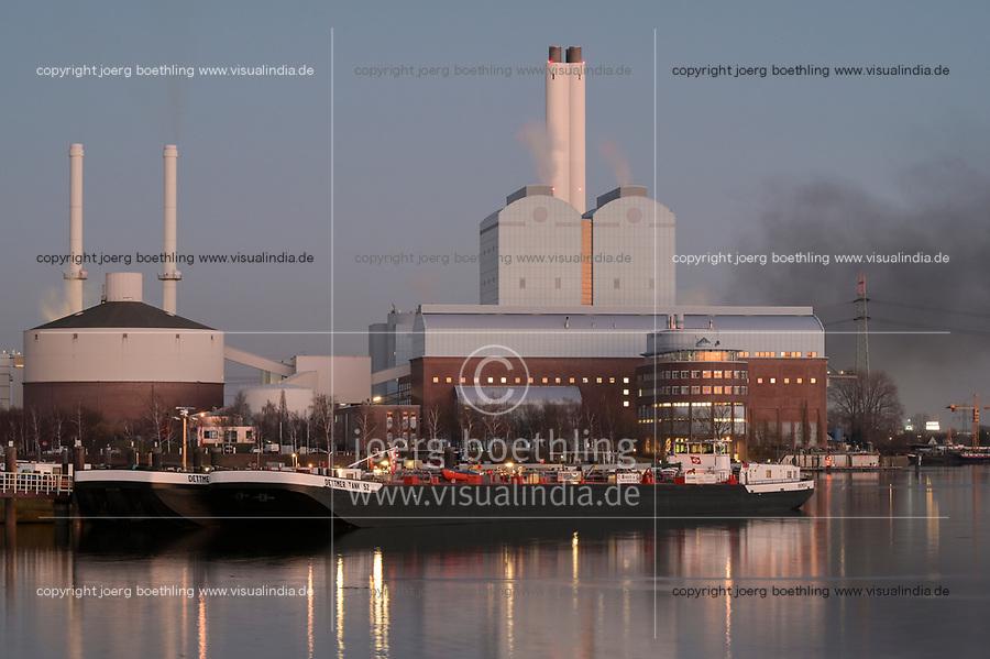 Germany, Hamburg, Tiefstack coal and gas power station for heating / DEUTSCHLAND, Hamburg, Tiefstack, Heizkraftwerk, wird derzeit noch mit importierter Steinkohle betrieben, und Gas- und Dampfturbinenanlage des städtischen Unternehmens Hamburg Wärme zur Erzeugung von Fernwärme