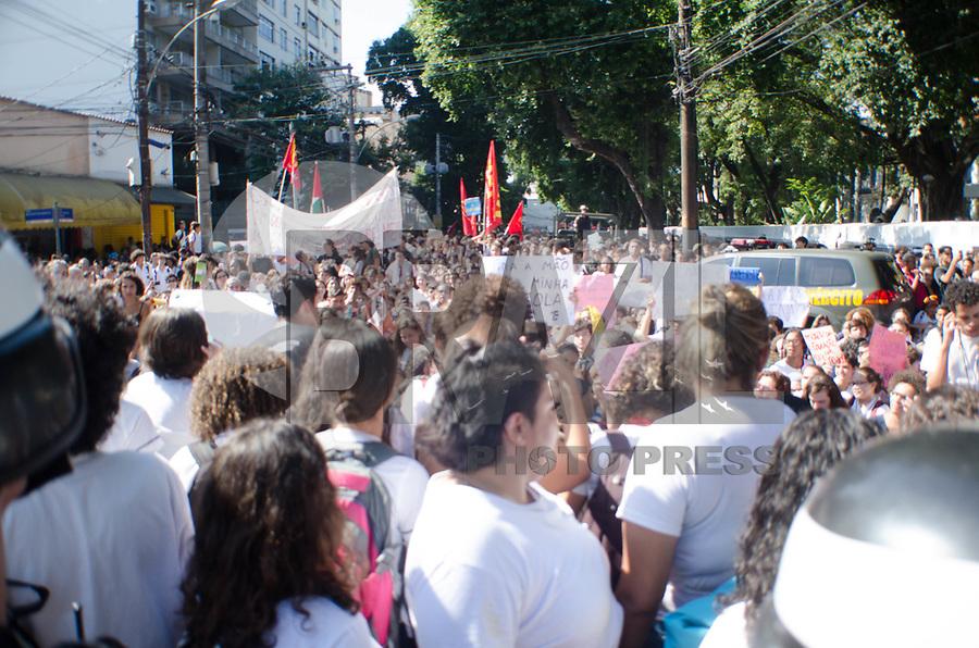 Rio de Janeiro (RJ, 06/05/2019 - Protesto / Rio de Janeiro - Alunos do colegio Pedro II e Cefet Protestam contra o corte de verbas na educação do ensino federal do Rio de Janeiro.Tijuca, Rio de Janeiro (05) (Foto: Vanessa Ataliba/Brazil Photo Press)