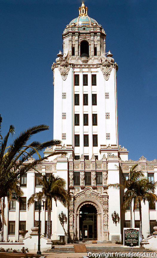 Los Angeles: Beverly Hills City Hall.  Photo '91 .