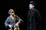 UN VIOLON SUR LE TOIT..Auteur : STEIN Joseph..Adaptateur : LAPORTE Stephane..Mise en scene : DESCHAUX Jeanne..Decor : TAPIERMAN Serge..Avec :..WILMET Alain:TEVYE le laitier..BABOLAT Pierre:LE COMMISSAIRE..Lieu : Le Palace..Ville : Paris..Le : 18 02 2010..© Laurent PAILLIER / photosdedanse.com..All rights reserved